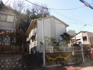 由比ガ浜海岸へ徒歩6分、賃料と共益費合わせて5.5万円の2DKのアパート。