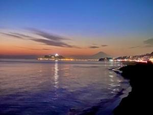 江ノ島と富士山と夕焼け空と。