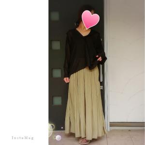 Coordinate*シアーシャツ×ワッシャーサテンスカートパンツ×ファーサンダル。