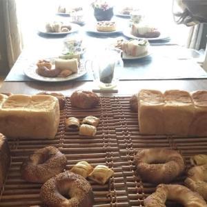 今日は酒種の湯種食パンとスミット