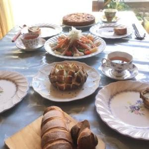 パンオセーグルフィグノア、ブール、海鮮サラダ…今月の酵母パン