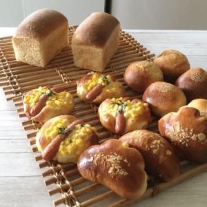好きな酵母パンで朝食