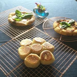 酒種のグリル焼きピザ、フライパン焼きパン
