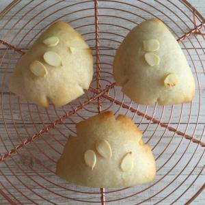 卵、乳製品不使用米粉クリームパン