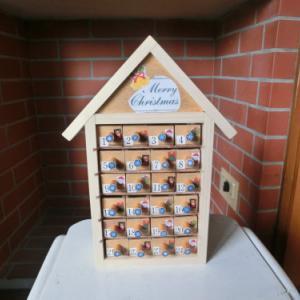 クリスマスの木製アドベントカレンダーを作る