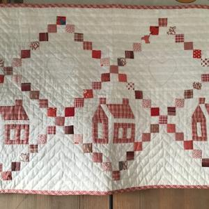 白と赤のパッチワーク