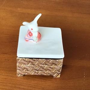 ウサギの雑貨を使って指ぬき(シンブル)の入れ物を作る
