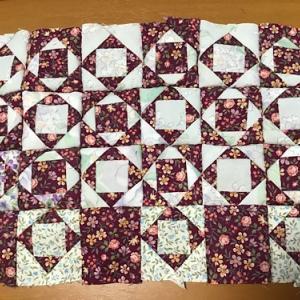 ローズガーデンのパッチワークを縫う