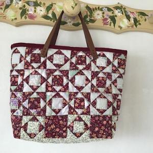 ローズガーデンのバッグが完成しました。