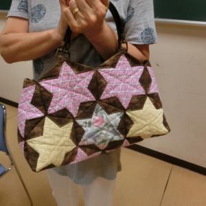 星の模様のパッチワークバッグ