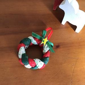 今日の手作り(クリスマス雑貨)と断捨離
