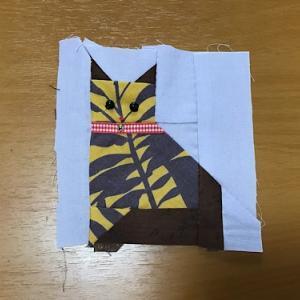 猫の形の布小物と片付け