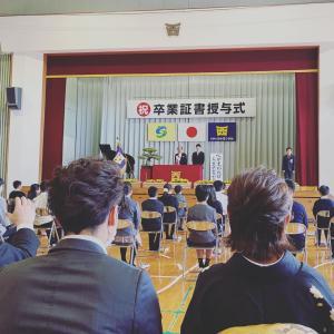 息子小学校卒業式