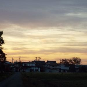 朝焼けと鳥海山