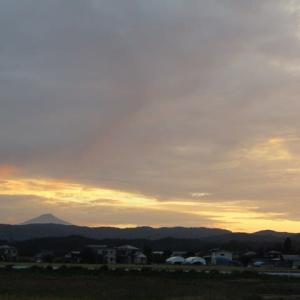 夕焼と鳥海山