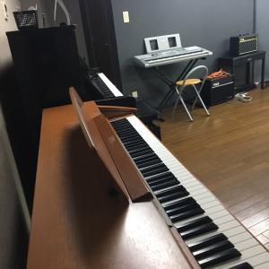 ピアノが夜中に歩いたよ