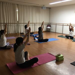 11/22(金)無料体験会アンチエイジングヨガ 加古川