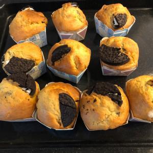 おうちカフェ♡オレオのカップケーキとハニーバターパン