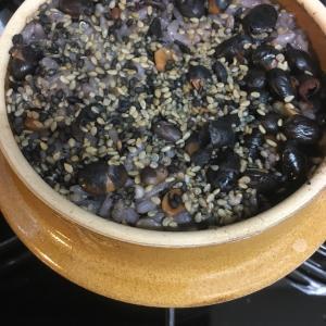 峠の釜飯の釜で雑穀米を炊いた