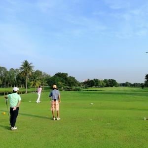 12日、Muang Ake Golfへ