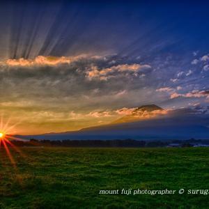 朝霧高原の日ノ出