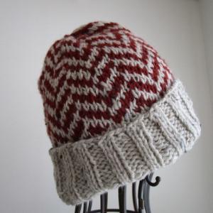 ヘリンボーン柄のニット帽