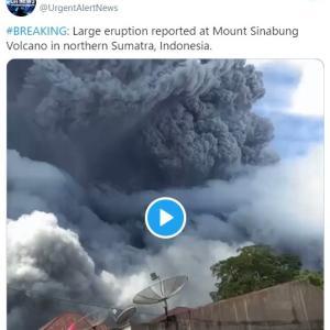 【火山噴火】インドネシアのシナブン山が噴火!噴煙5000メートルを上げる…周辺には火山灰が降り注ぐ