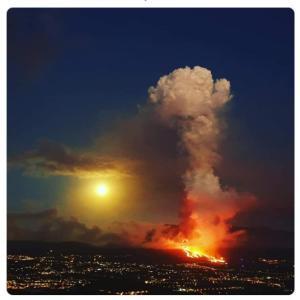 【ラパルマ島】スペイン領カナリア諸島で50年ぶりに火山噴火…5500人が避難