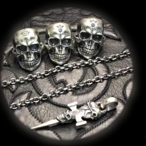 [動画] ガボラトリーのリング,ネックレス,ラージスカル ウィズジョー リング,6チェーンネックレス, トリプルスカルダガーペンダント [Youtube]