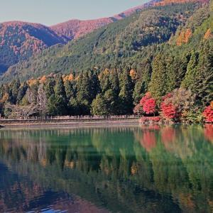 晩秋の伊奈ケ湖