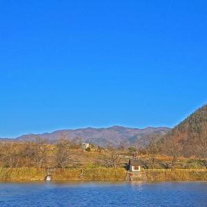静寂な湖 3