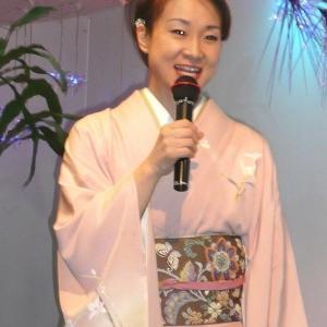 H20.4.18思い出の演歌歌手、上杉香緒里、おけさ海峡。三木町ダンヒルにてキャンペーン。