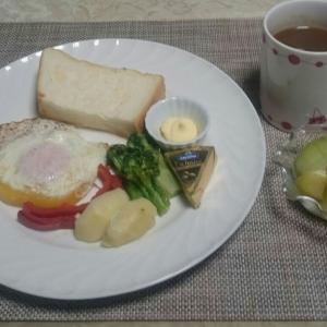 生食パンで朝食