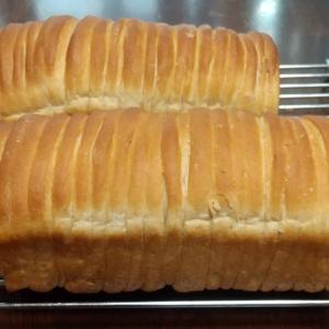 パン焼きました