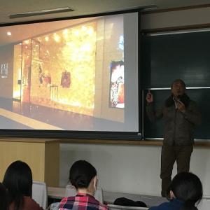 和洋女子大学 ファッション業界の楽しさとファッションビジネスの仕組を伝える