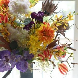 リビングも秋のお花に衣替え♪福岡アーティフィシャルフラワー