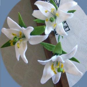 フエルトの花・・ゆり