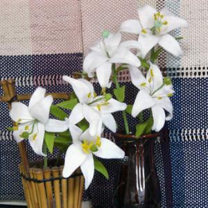 フエルトの花・・ゆり..2