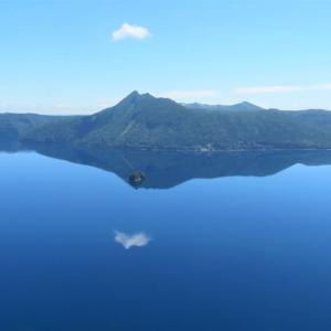 摩周湖・・鏡の湖面