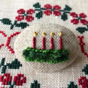 クリスマスのブローチ キャンドル