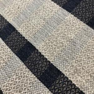 絹の経糸でストール織り始めました