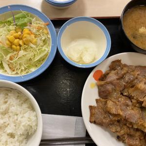 【カルビ焼肉定食が、えらいことに!】@松屋