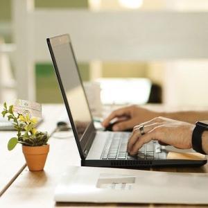 PC購入時、Microsoft Officeはパッケージ購入かサブスク利用か? 私はMicrosft365利用でストレージ代や電話代も節約