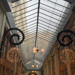クリスマスの時期のパリ散歩…空想で