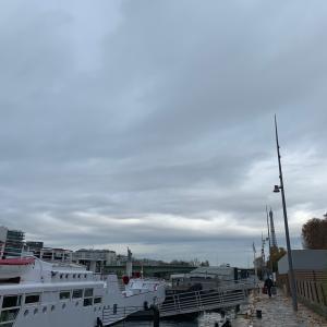 セーヌ川の船上のワインフェア♪とクリスマスのスイーツといえば