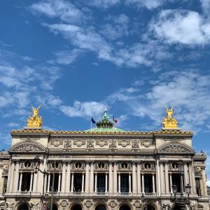 8月のパリの風景とマスクとワインとネイルと