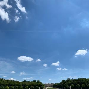 7月のベルサイユをウオーキング