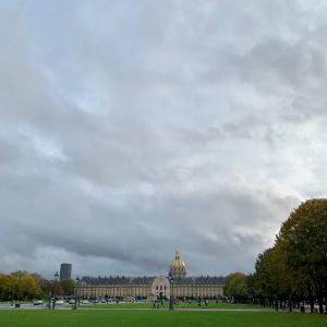 秋のパリの風景とバカンスネイル