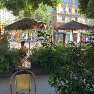 パリでリゾート気分のカフェ・グルマン