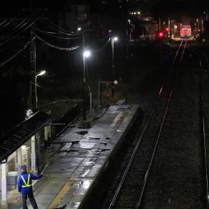 会津坂下駅を発車した、DE10-1124(只見線落ち葉掃き列車撮影編)